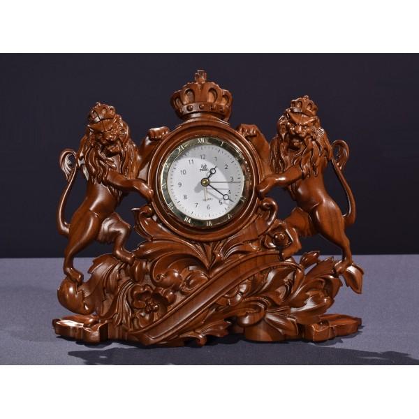"""Часы резные деревянные со львами """"Подарок боссу"""""""